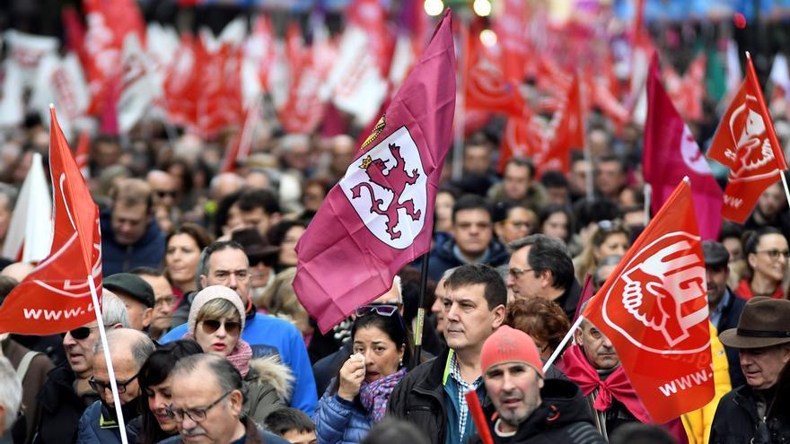 """Miles de leoneses se manifestaron hace unas semanas para reclamar oportunidades en una provincia """"muerta"""""""