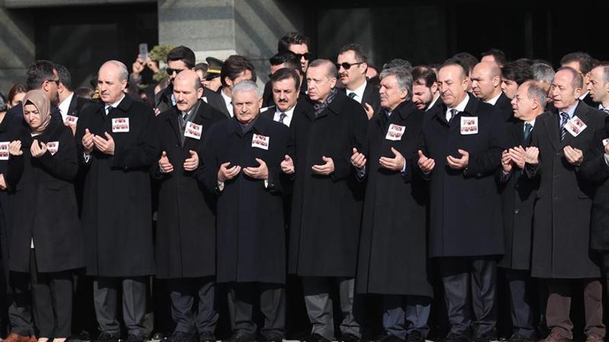 Erdogan promete que Turquía luchará hasta el final contra el terrorismo
