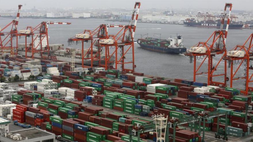 Japón registra en 2013 déficit comercial récord de 83.834 millones de euros