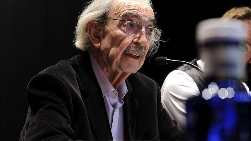 El poeta argentino Juan Gelman, exiliado en México, descarta vivir en su país