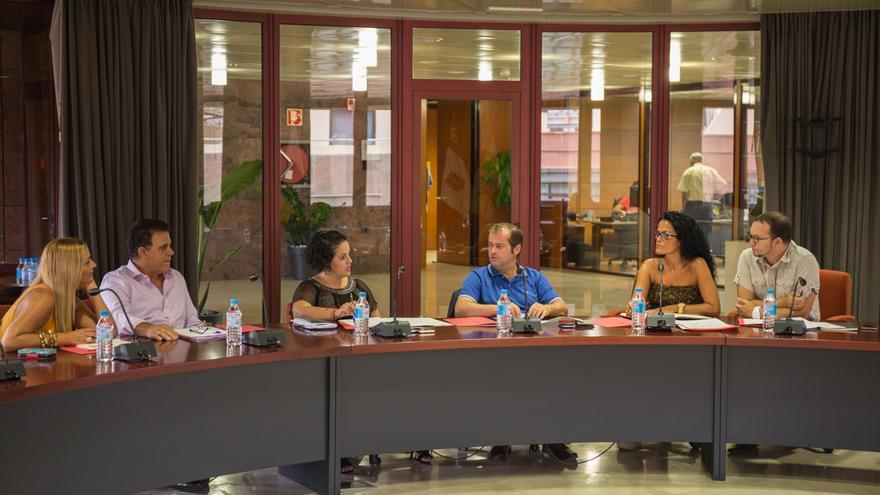 Ayuntamientos y empresarios se reúnen con el Cabildo Insular para hablar sobre aspectos de comercio