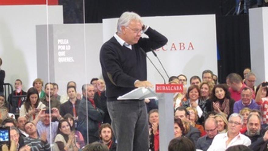 Felipe González En Un Mitin En Valencia
