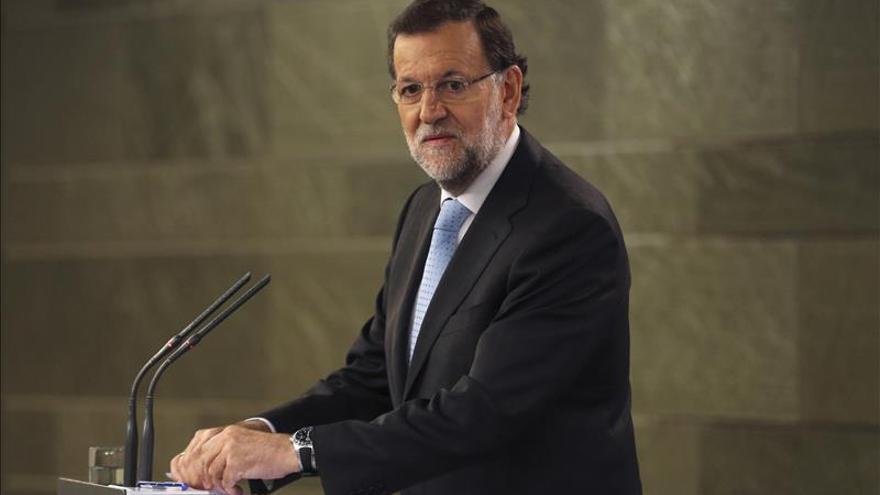 """Rajoy dice que el Rey está preocupado por Cataluña """"como todos"""""""