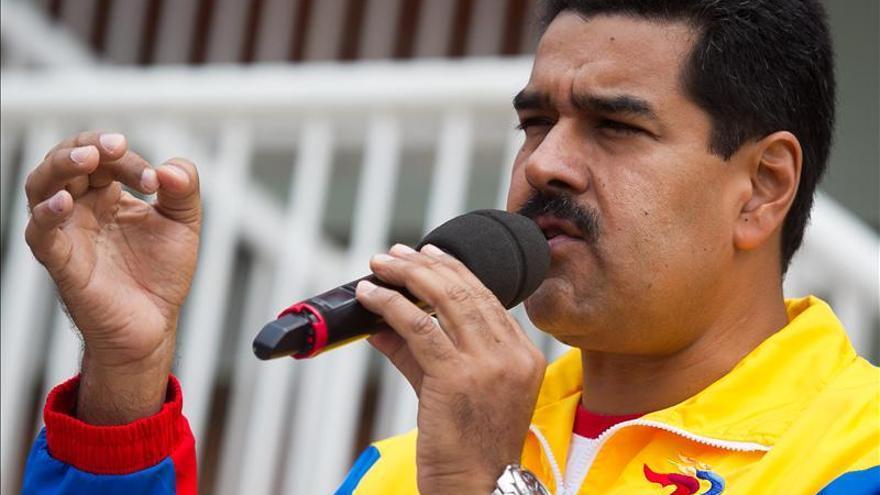 Maduro pide un modelo eficiente que genere divisas en las empresas básicas públicas