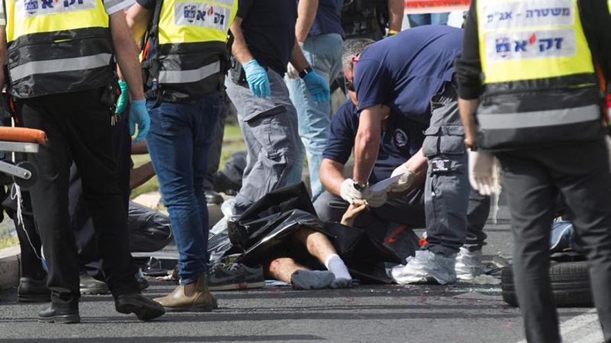 Un palestino muerto tras atacar a policías israelíes en Jerusalén
