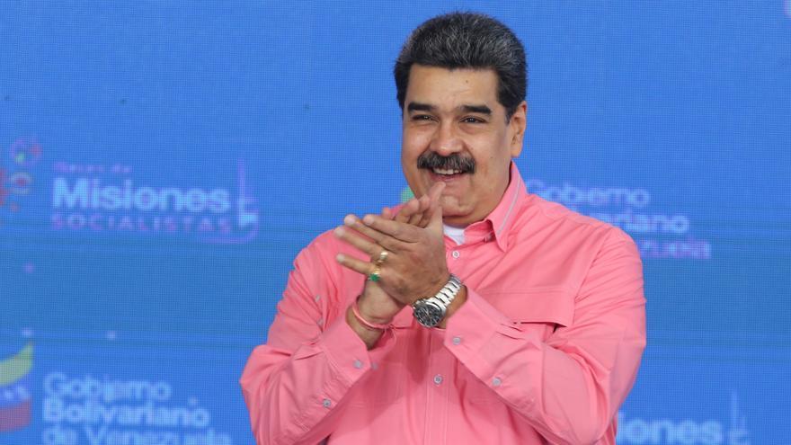 """Maduro dice que la agenda de diálogo con Guaidó incluirá el """"rescate de recursos"""""""