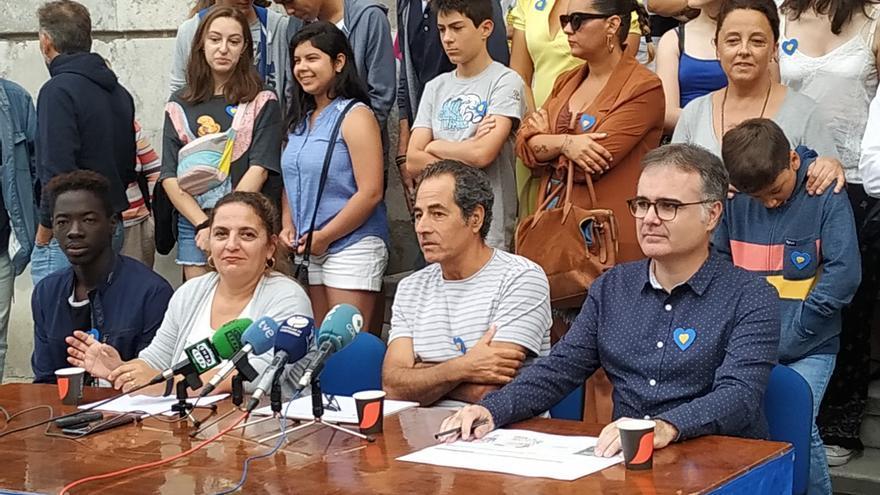 Padres y trabajadores del colegio de La Enseñanza urgen el traslado del centro a Corbán. | J. F. R.