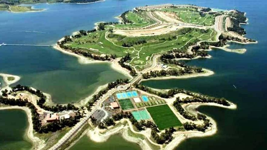 Marina Isla de Valdecañas / www.ecologistasenaccion.org