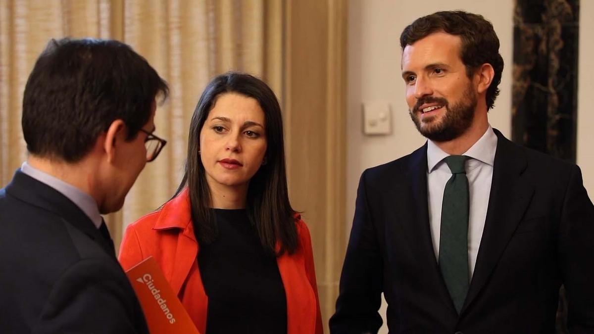 El presidente del PP, Pablo Casado; y la presidenta de Ciudadanos, Inés Arrimadas