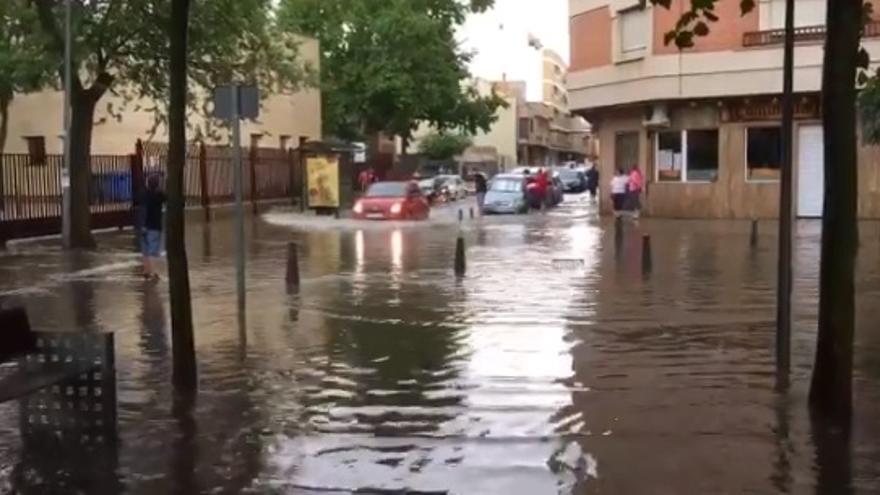 Balsa de agua en Altagracia con la plaza de España de Ciudad Real
