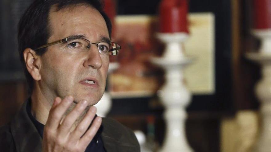 Martín Casariego: el lector debe escoger el camino para bucear en cada libro