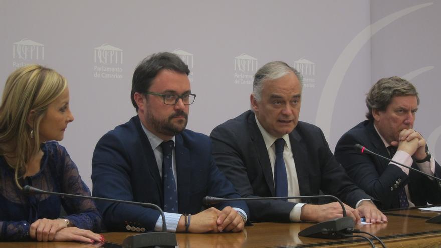 """González Pons dice que la Comisión Europea ve """"suficientes"""" las explicaciones de Cañete sobre los 'Papeles de Panamá'"""
