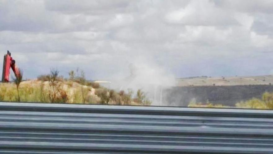Imagen captada en las labores de retirada del amianto