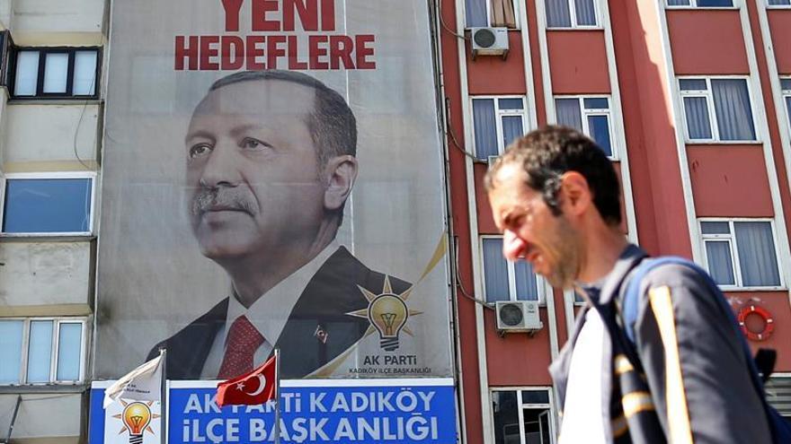 El gobernante AKP nomina a Erdogan como candidato presidencial en Turquía