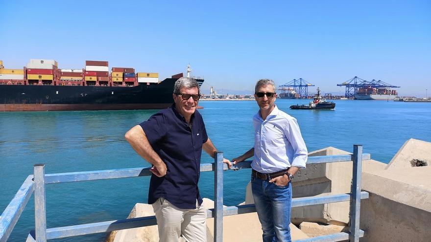 El presidente de la Autoridad Portuaria, Aurelio Martínez, y el conseller de Política Territorial, Obras Públicas y Movilidad, Arcadi España,