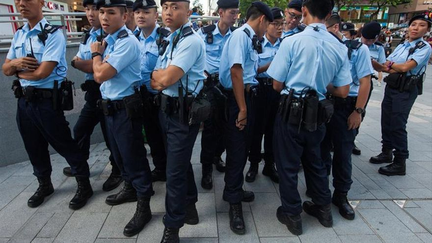 La policía china irrumpe en el banquete de una boda y detiene a 140 presuntos mafiosos