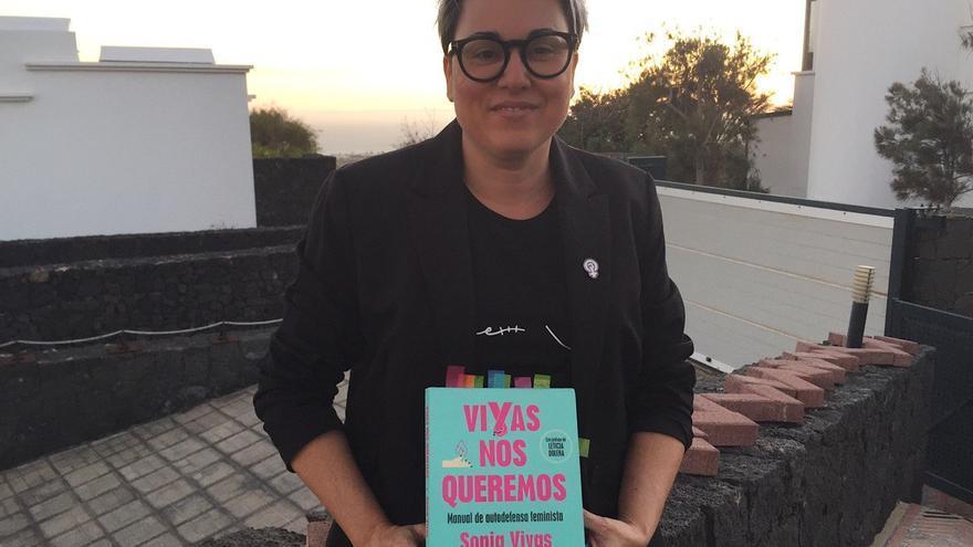 Sonia Vivas presenta su libro 'Vivas nos queremos' en Lanzarote.