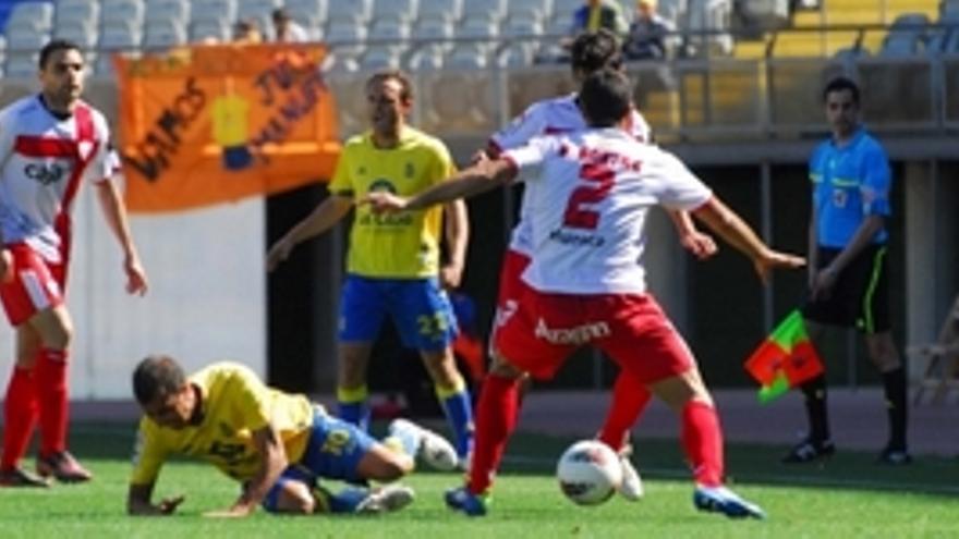 David González falló un penalti con 1-0 en el marcador. (ACFI PRESS)