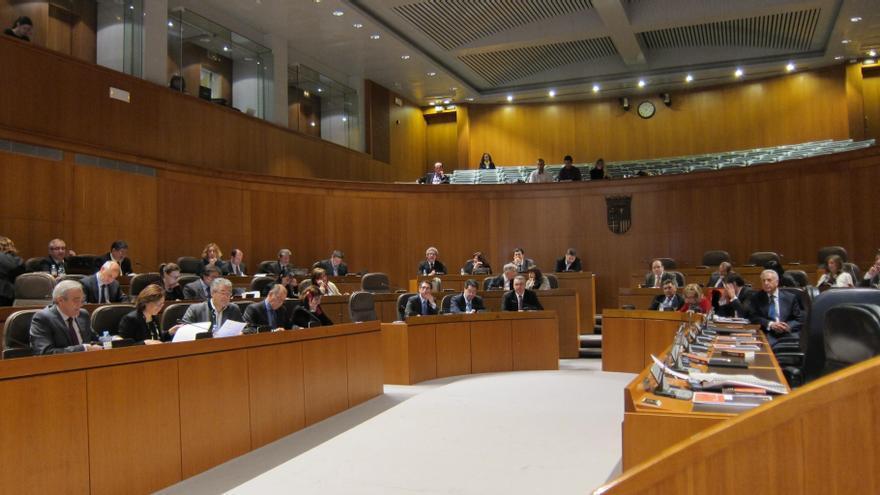 Cortes de Aragón recurrirán ante el TC la Ley de Evaluación Ambiental por considerar que permite el trasvase del Ebro