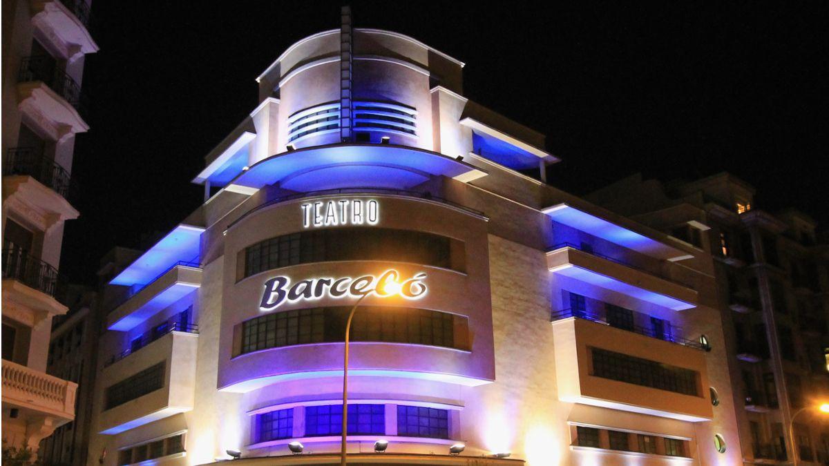 Imagen de archivo de la fachada del Teatro de Barceló | LUIS GARCÍA (ZAQARBAL)