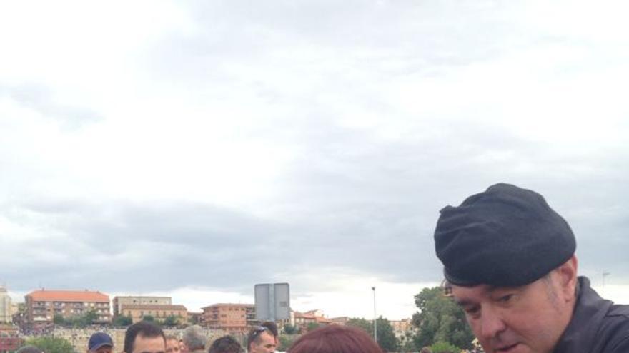 Algunas personas se habían congregado en el recorrido para protestar por el acto./ Ruth Todelano.