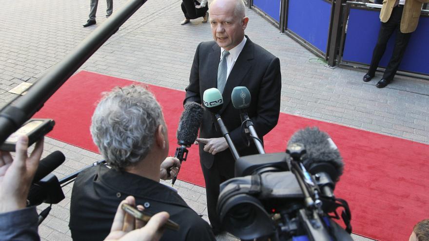 """Francia y R. Unido no descartan """"ninguna opción"""" para frenar el conflicto sirio"""