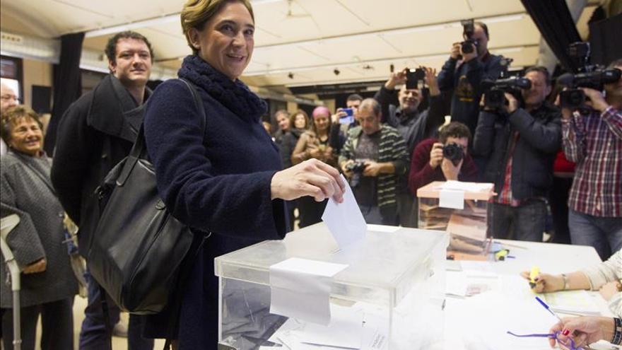 Colau llama a votación masiva para escribir la historia de los próximos años