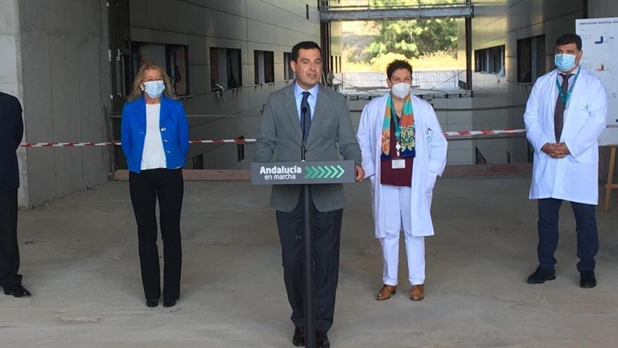"""Andalucía da un ultimátum a Sanidad para vacunar con AstraZeneca a menores de 60 años: """"O toman una decisión rápida o la tomamos nosotros"""""""