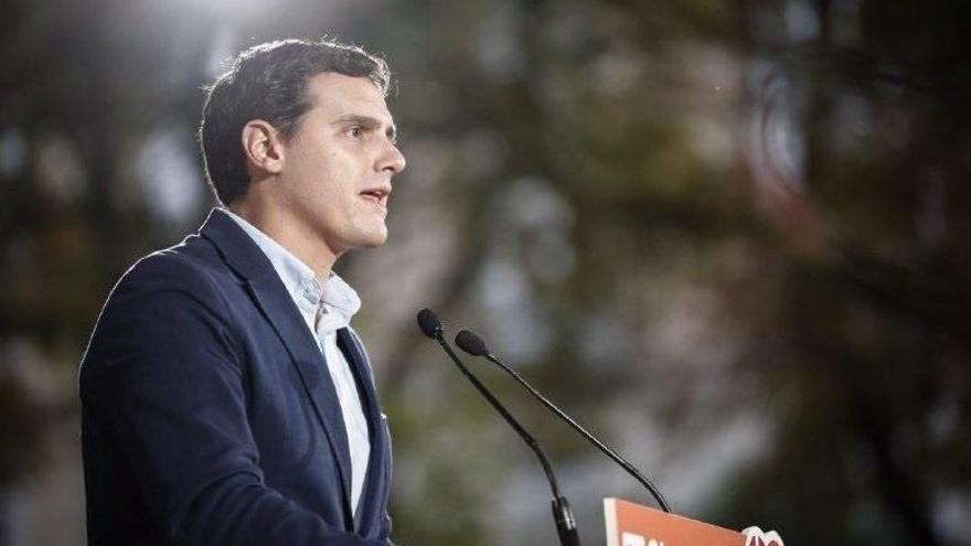 """Rivera admite que la expectativa electoral de Ciudadanos en Galicia y Euskadi era """"humilde"""" y no la han alcanzado"""