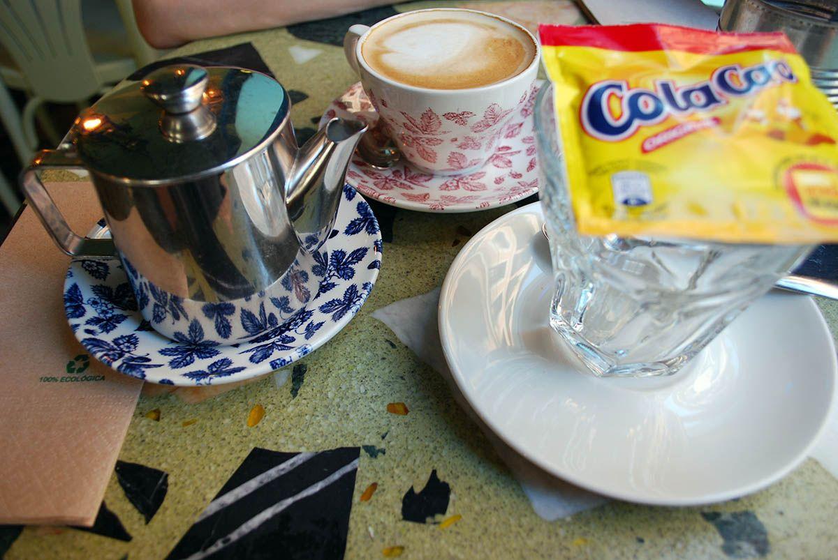 Cola-Cao y café_Malasaña a mordiscos_Ojalá