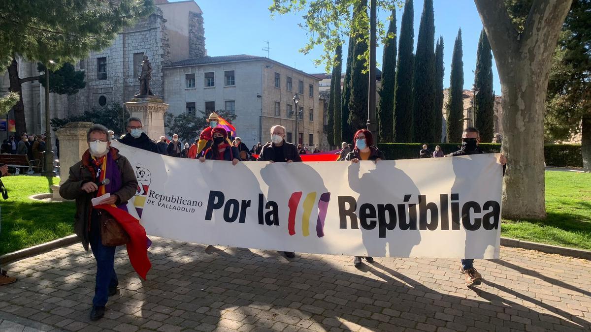 Manifestación en favor de  una III República