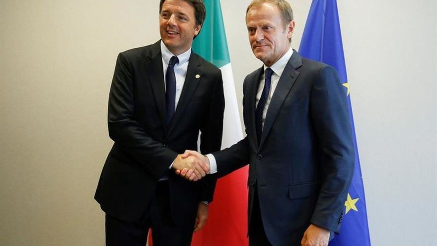 """Juncker dice que se hará """"todo lo posible"""" para evitar el pánico bancario en Italia"""