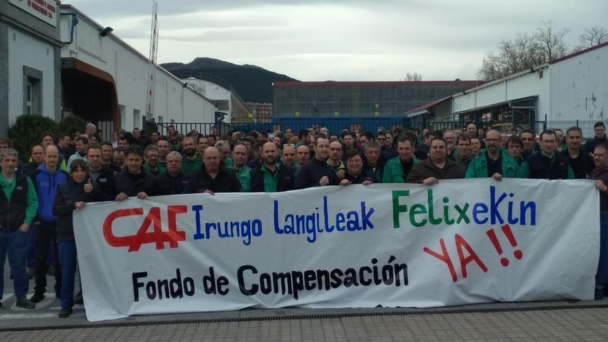 Paro y protesta de trabajadores de CAF, en la planta que tiene la empresa en Irun