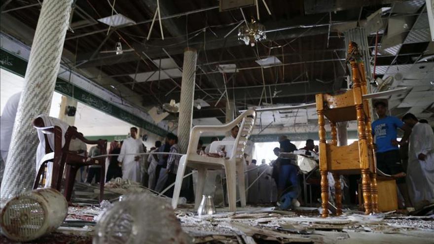 Al menos cuatro muertos en la explosión de un coche bomba contra una mezquita en Arabia Saudí