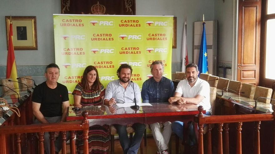 Jesús Gutiérrez junto a los integrantes del Grupo Municipal del PRC | RUBÉN ALONSO