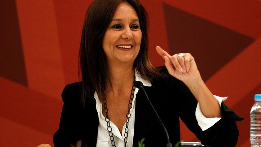 """María Dueñas, una escritora de éxito que evita """"quemarse"""""""