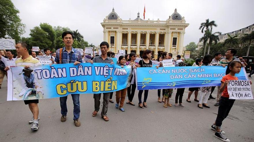 Manifestaciones en Vietnam contra una empresa acusada de contaminación