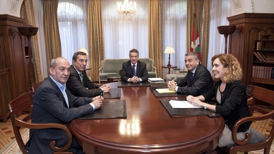 Urkullu y los diputados generales acuerdan crear un fondo de reactivación económica, si se flexibiliza el déficit