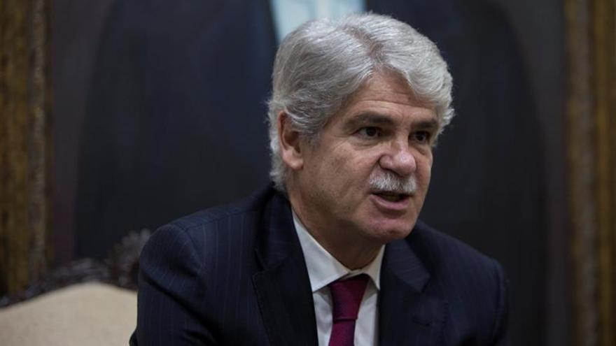 El ministro español de Exteriores expresó a Medina voluntad de reafirmar lazos