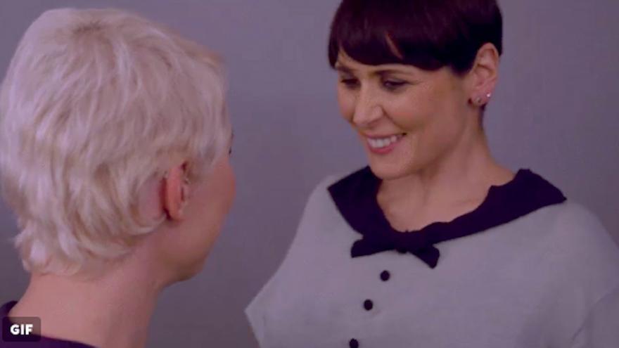 Rosa López desata las lágrimas en un centro comercial en el estreno de su reality