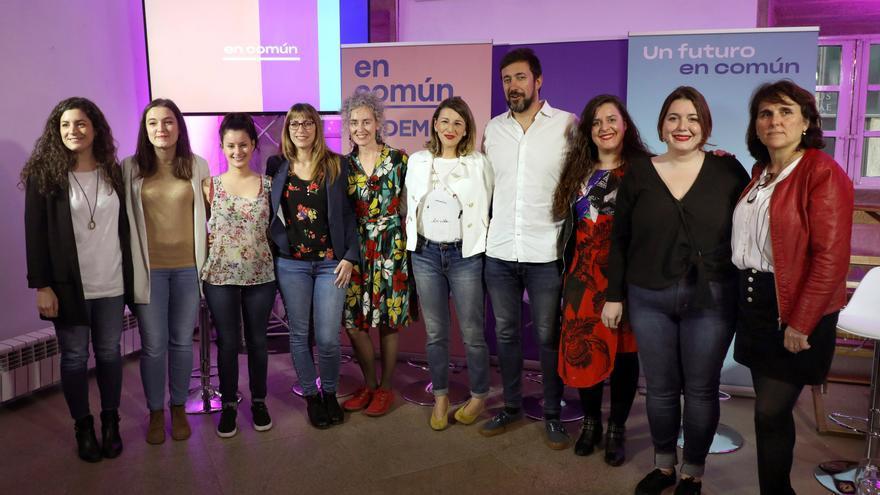 "Los cabezas de lista de En Común-Unidas Podemos"". En el centro, Antón Gomez Reino (A Coruña) y Yolanda Díaz (Pontevedra). Por Lugo, Vanesa Somoza (4i) y por Ourense, Ledicia Piñeiro (3i)."