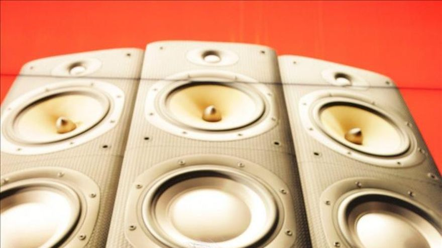 Las ventas mundiales de música digital alcanzan a las físicas por primera vez