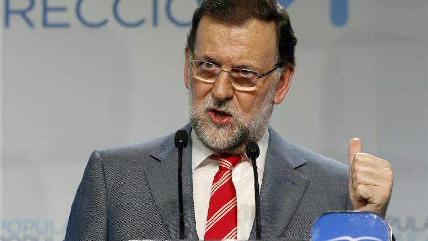 """Rajoy reitera que son los más votados al pedirle el PSOE que """"haga las maletas"""""""