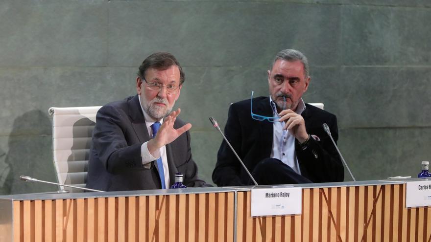 Mariano Rajoy y Carlos Herrera en la presentación del libro del expresidente del Gobierno.