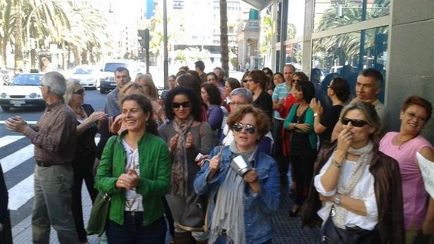 De protestas de funcionarios en LPGC #12