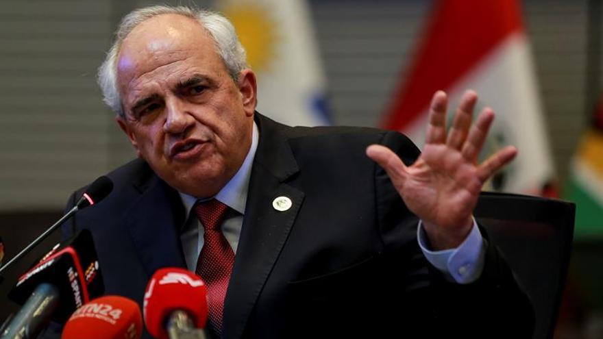 La oposición venezolana dice a Samper que si acompaña el diálogo promueva los comicios