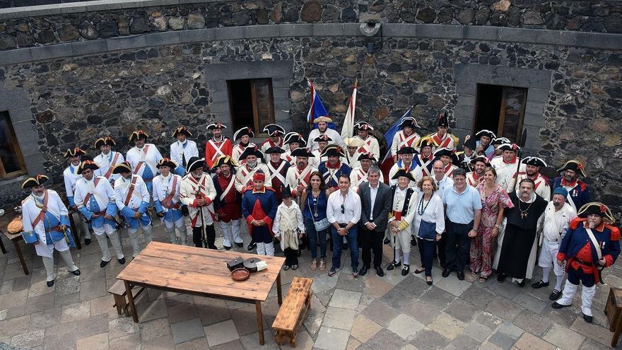 Santa Cruz de Tenerife recrea el desembarco británico en la ciudad