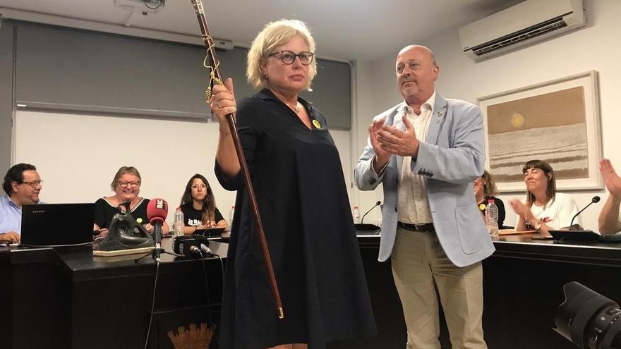 La alcaldesa de Santa Coloma de Farners, Susagna Riera (JxCat), y el líder de ERC en el municipio, Joan Martí.