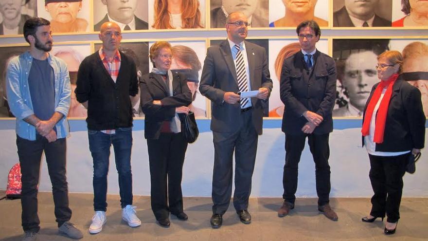 En la imagen, acto de inauguación de la exposición 'Memorias de Contrabando'.