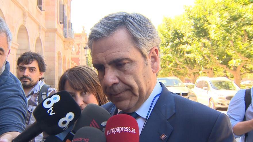 El Parlament votará la próxima semana si destituye a De Alfonso como director de la Oac